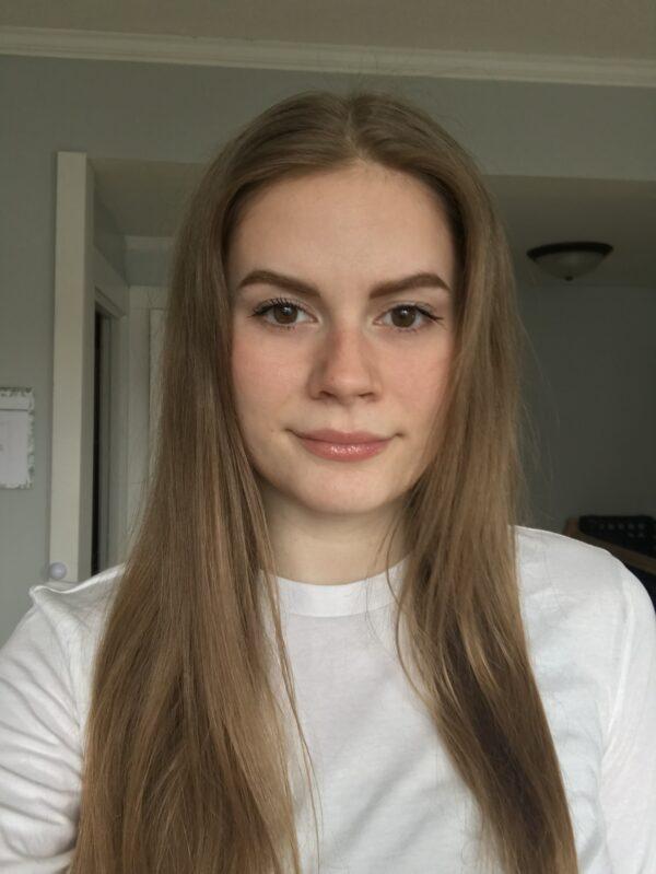 Emily Holzknecht